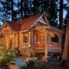 Интерьер деревянного дома — в центре внимания печка