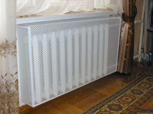 Металлические экраны на радиаторы отопления
