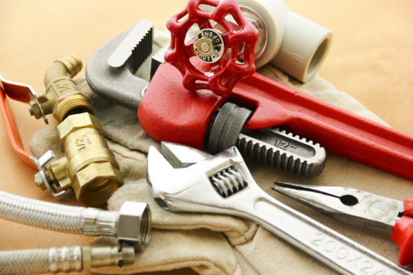 Инструменты для монтажа батареи отопления