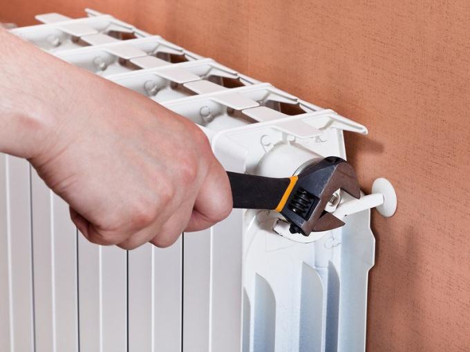 Как выпустить воздух из батареи отопления — советы специалистов