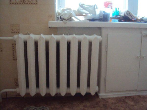 Чугунный радиатор отопления эконом класса