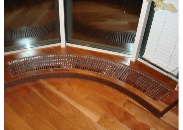 Радиатор встроенный в пол