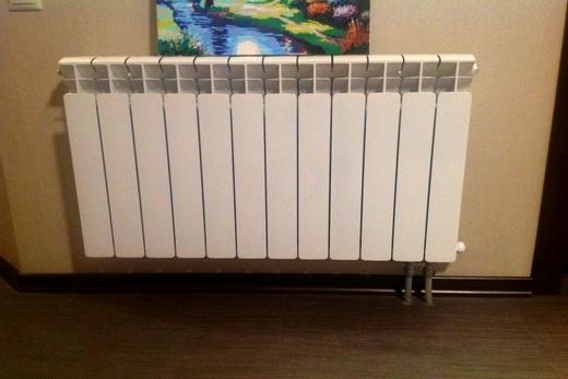 Радиатор биметаллический  с нижним подключением