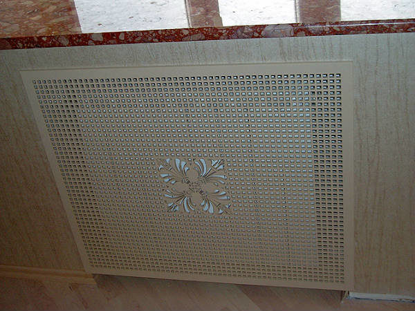 Плоский экран для батареи отопления