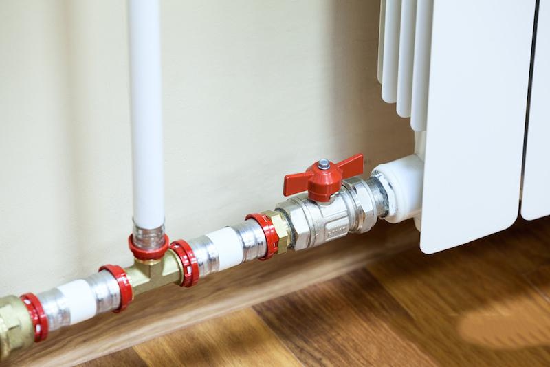 Как спрятать трубы отопления в квартире фото