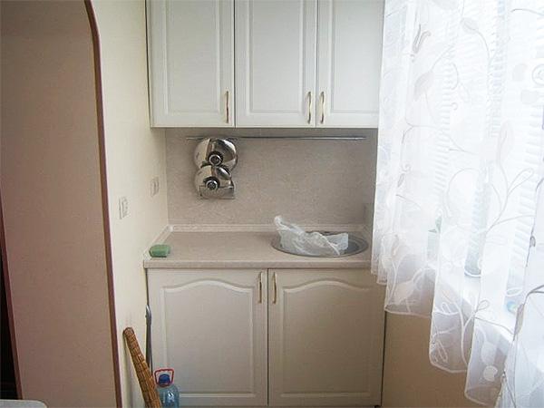 Как обустроить кухню на балконе — от проекта объединения помещений до отделки