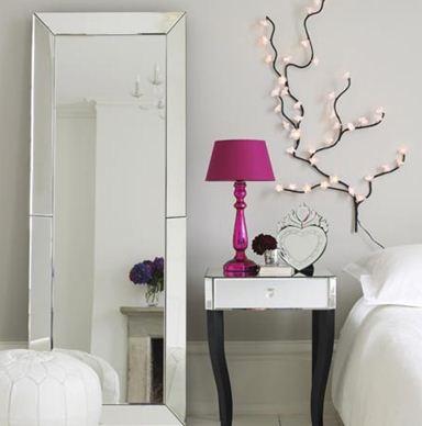 Зеркало для спальни: полезные советы и рекомендации