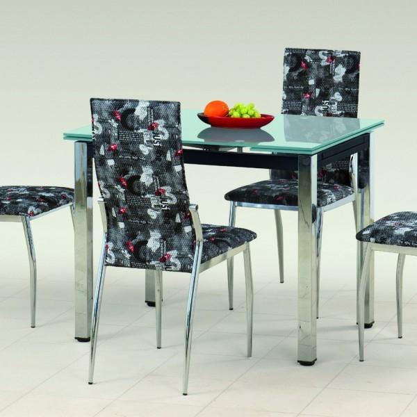 krasivie-nozhki-pod-stolom