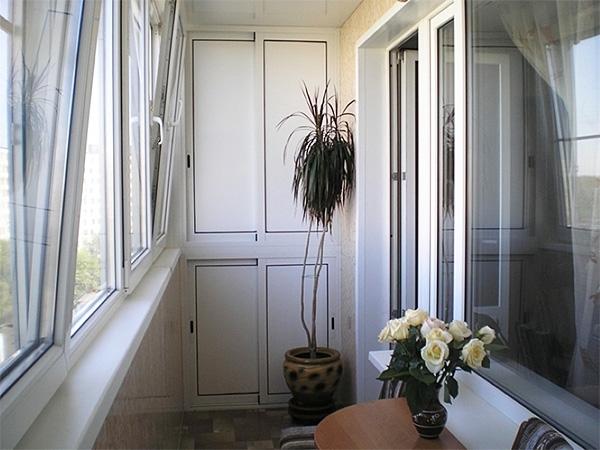 Устройство шкафа на балконе — выбор материалов и особенности сборки